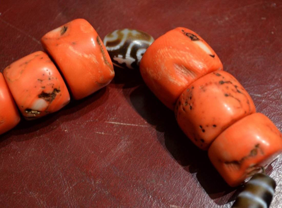 Chinese or Tibetan Coral and Dzi Bead Necklace - 2