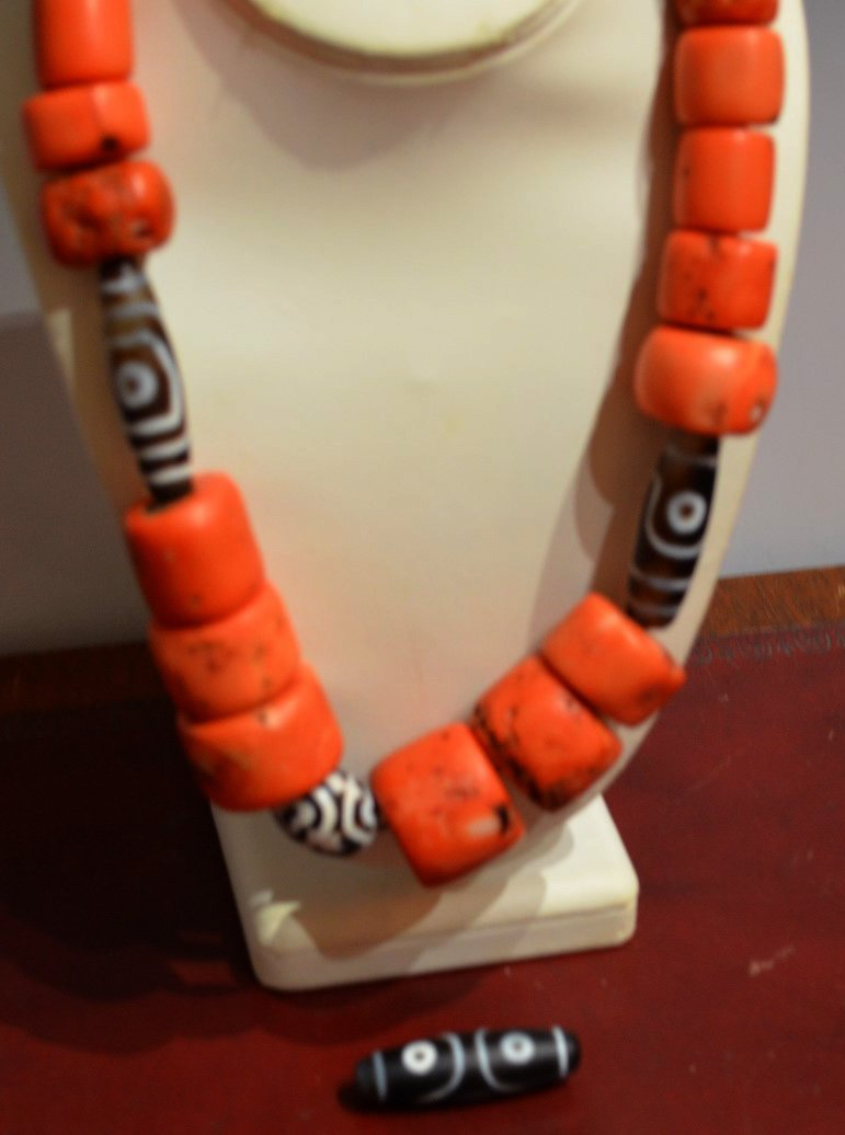 Chinese or Tibetan Coral and Dzi Bead Necklace - 3