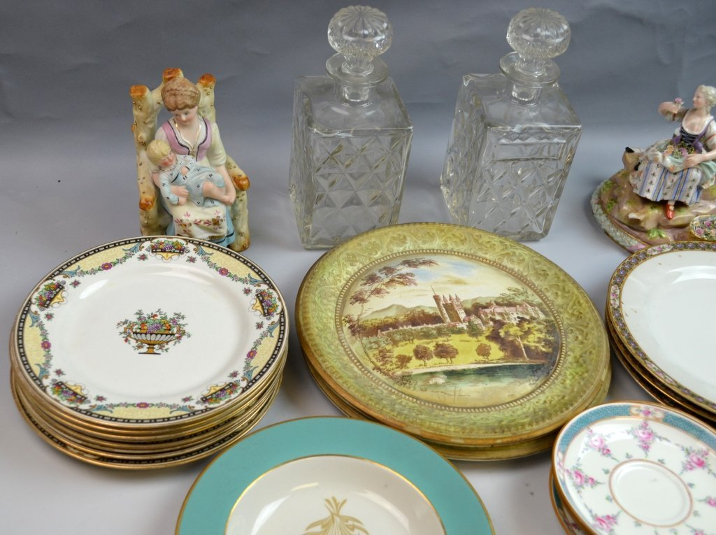 A Group of Porcelain & Glass Dinnerware Set - 5