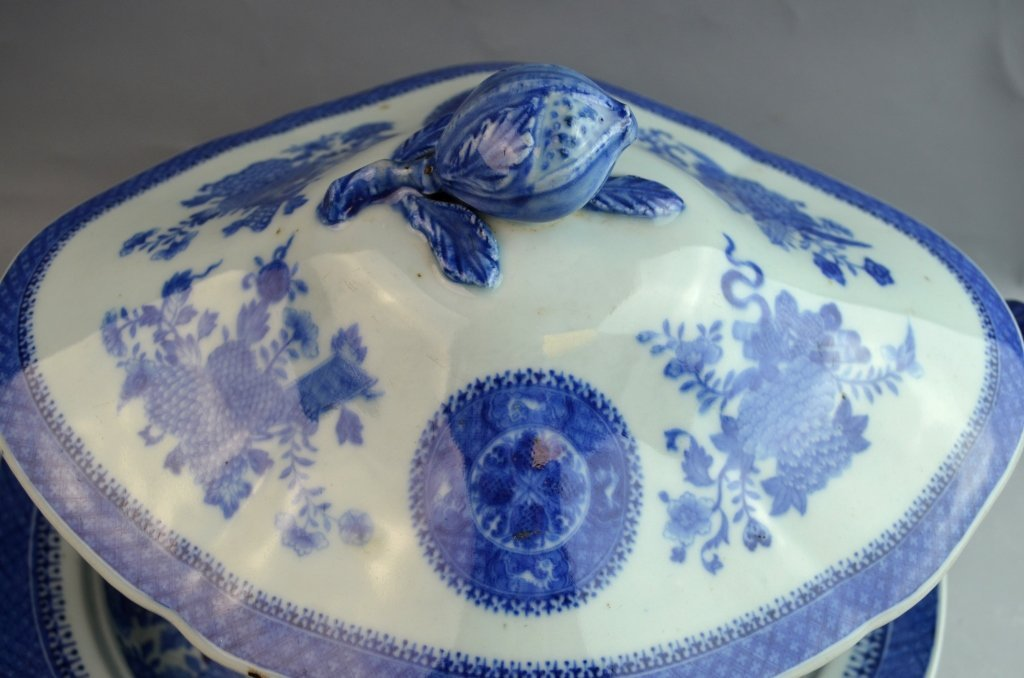 Large Chinese Export B&W Soup Tureen with Cover - 4