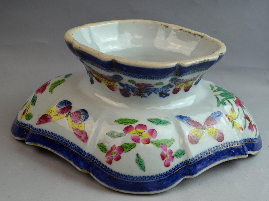 Oval Chinese Blue and White Gold Gilt Stem Bowl - 4