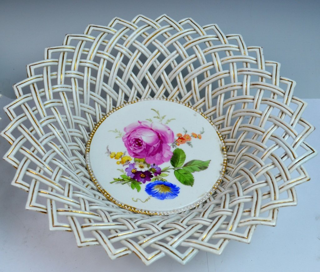 Pair of Meissen Reticulated Porcelain Bowls - 2