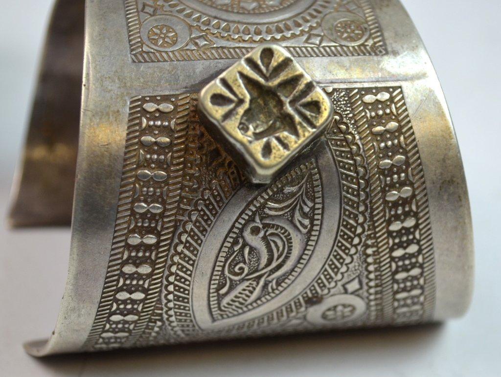 Islamic Tribal Silver 2 Bracelets and 2 Earlings - 3