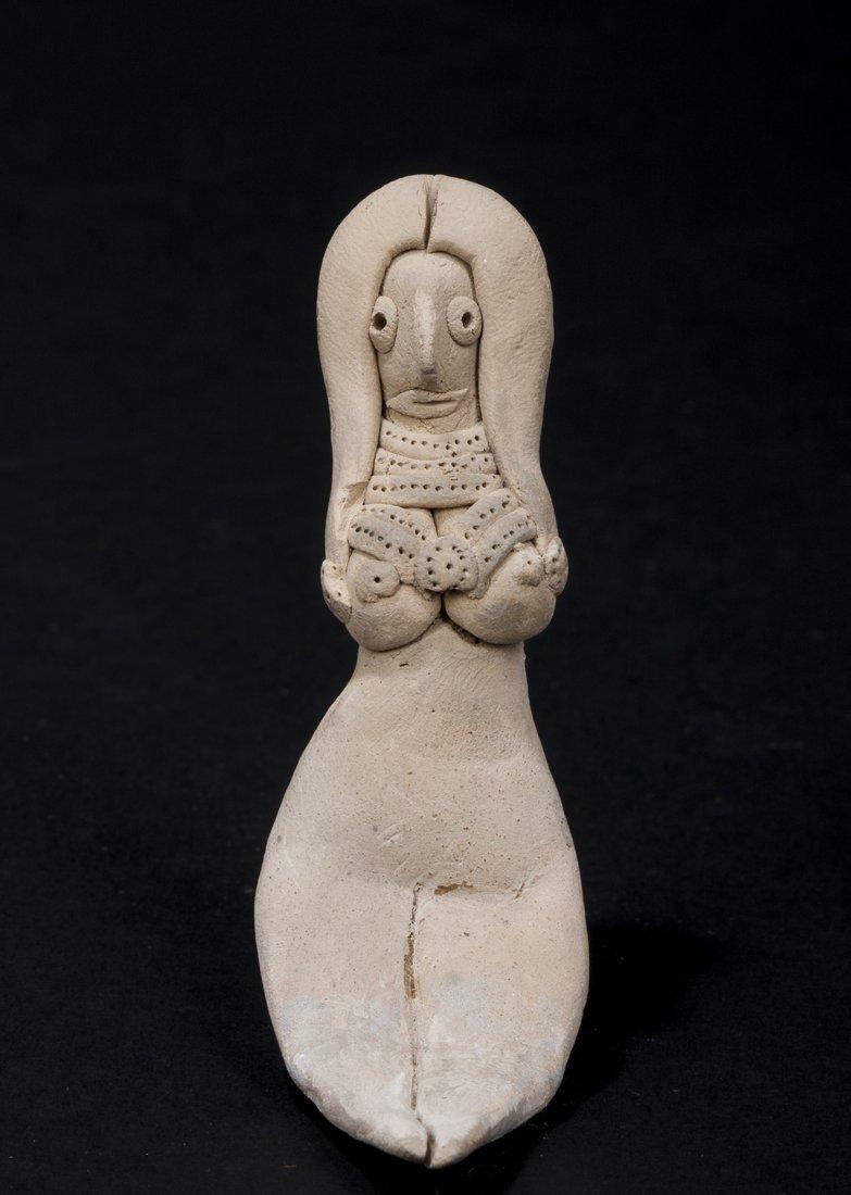 A central Mesopotamian goddess figurine
