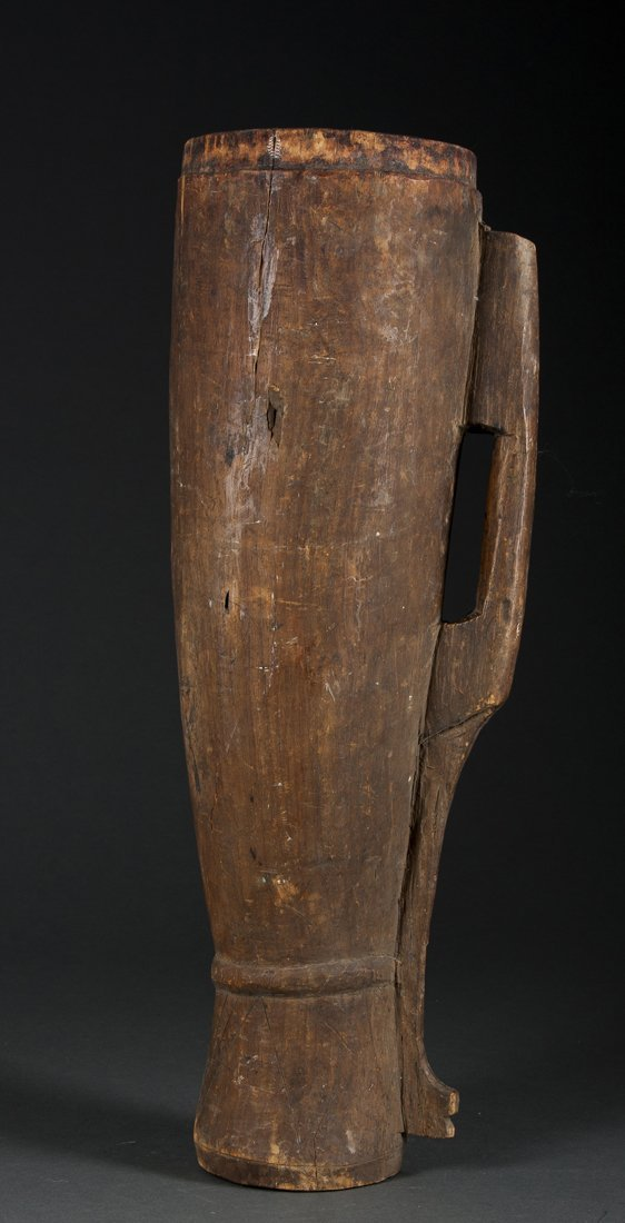 A New Guinea drum and food dish