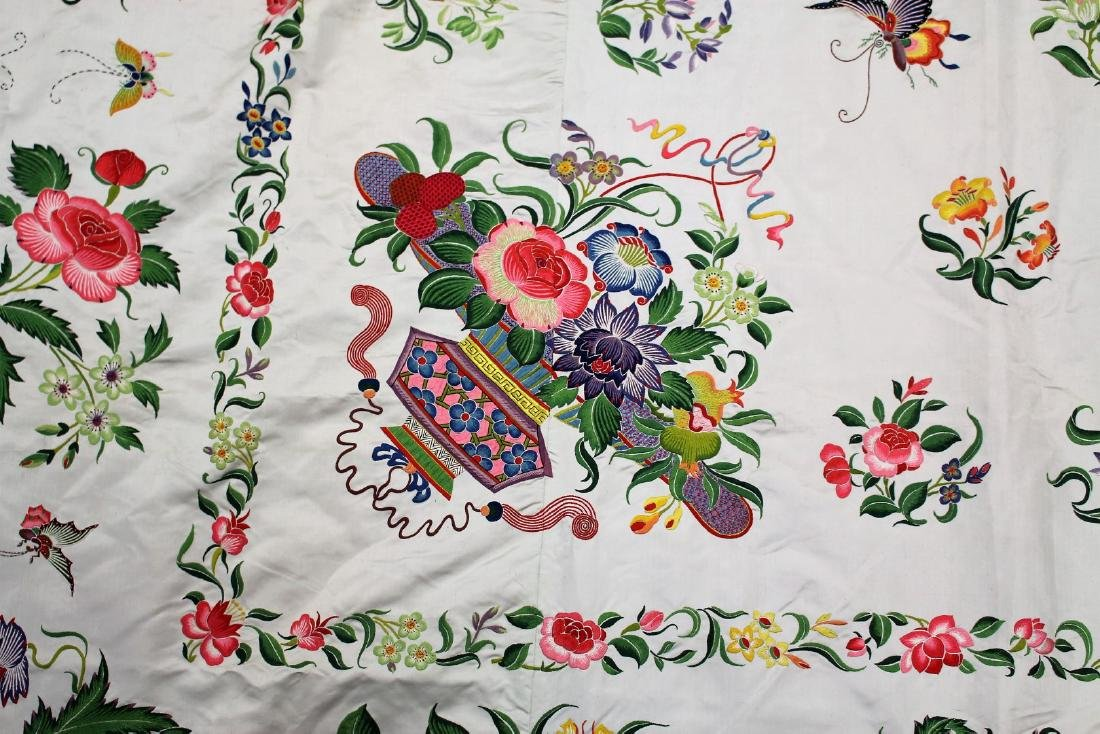 Chinese Embroidered Silk Bedspread - 4