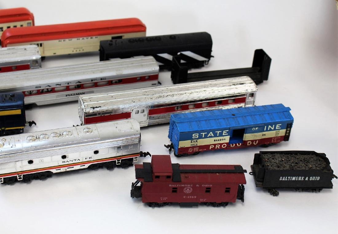 Lot of Vintage Toy Trains and Accessories - 3