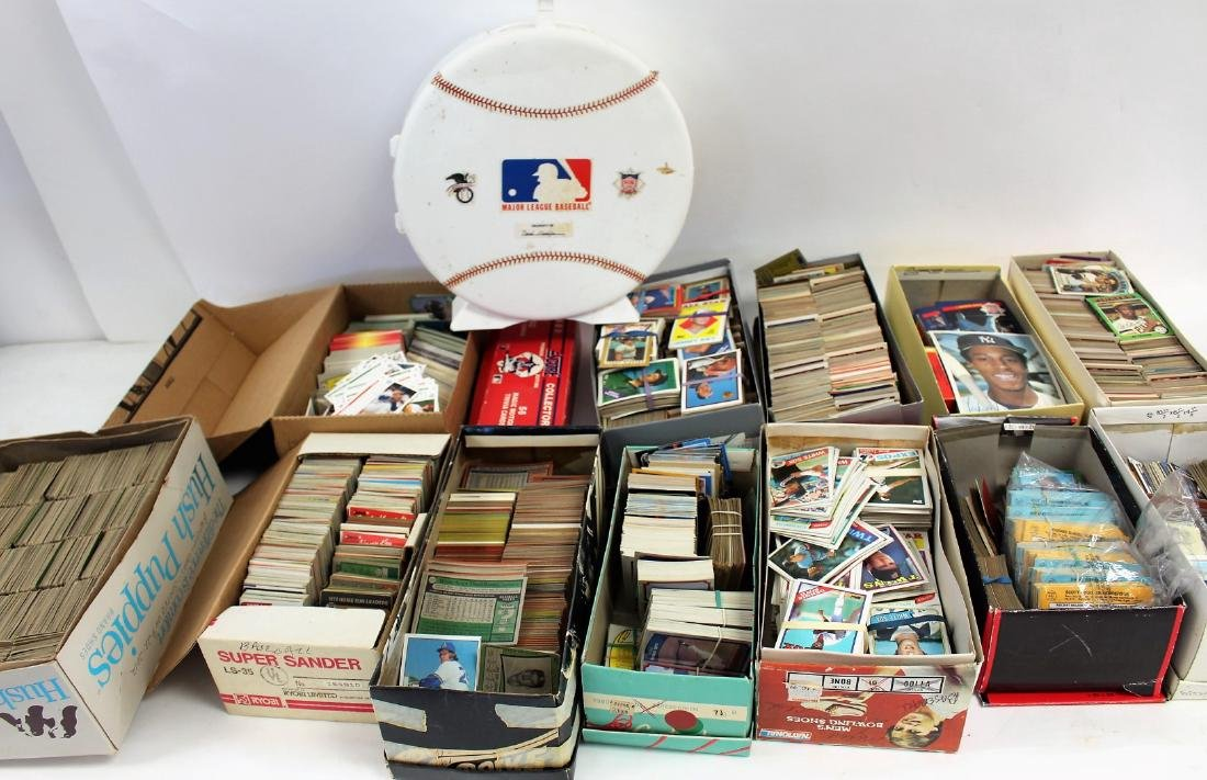 Large Collection of Vintage Baseball Cards