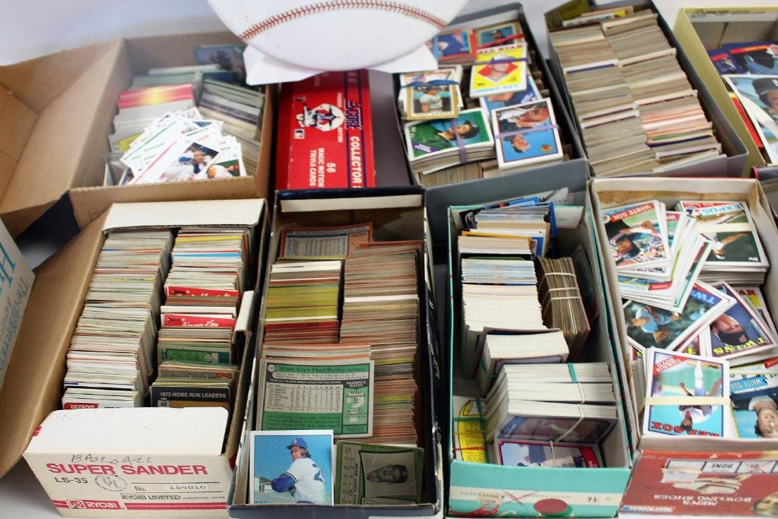 Large Collection of Vintage Baseball Cards - 3