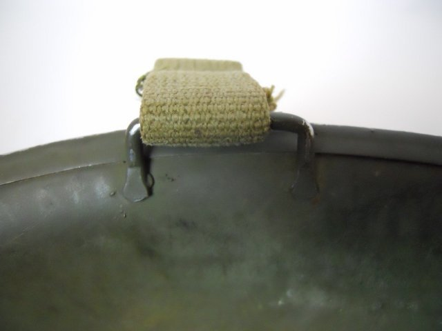 WW2 US M1 Army Helmet, Front Seam - 6