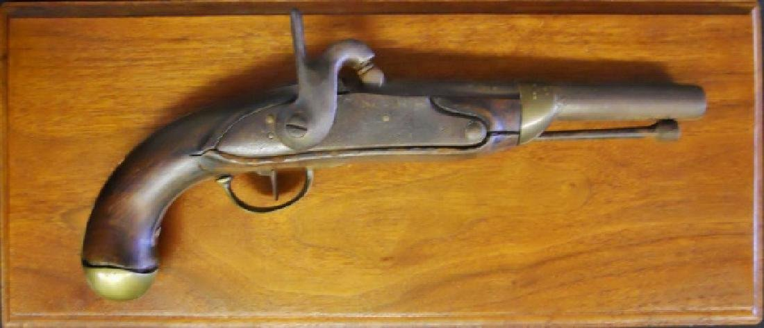 French M-1822 Percussion Pistol, Mounted