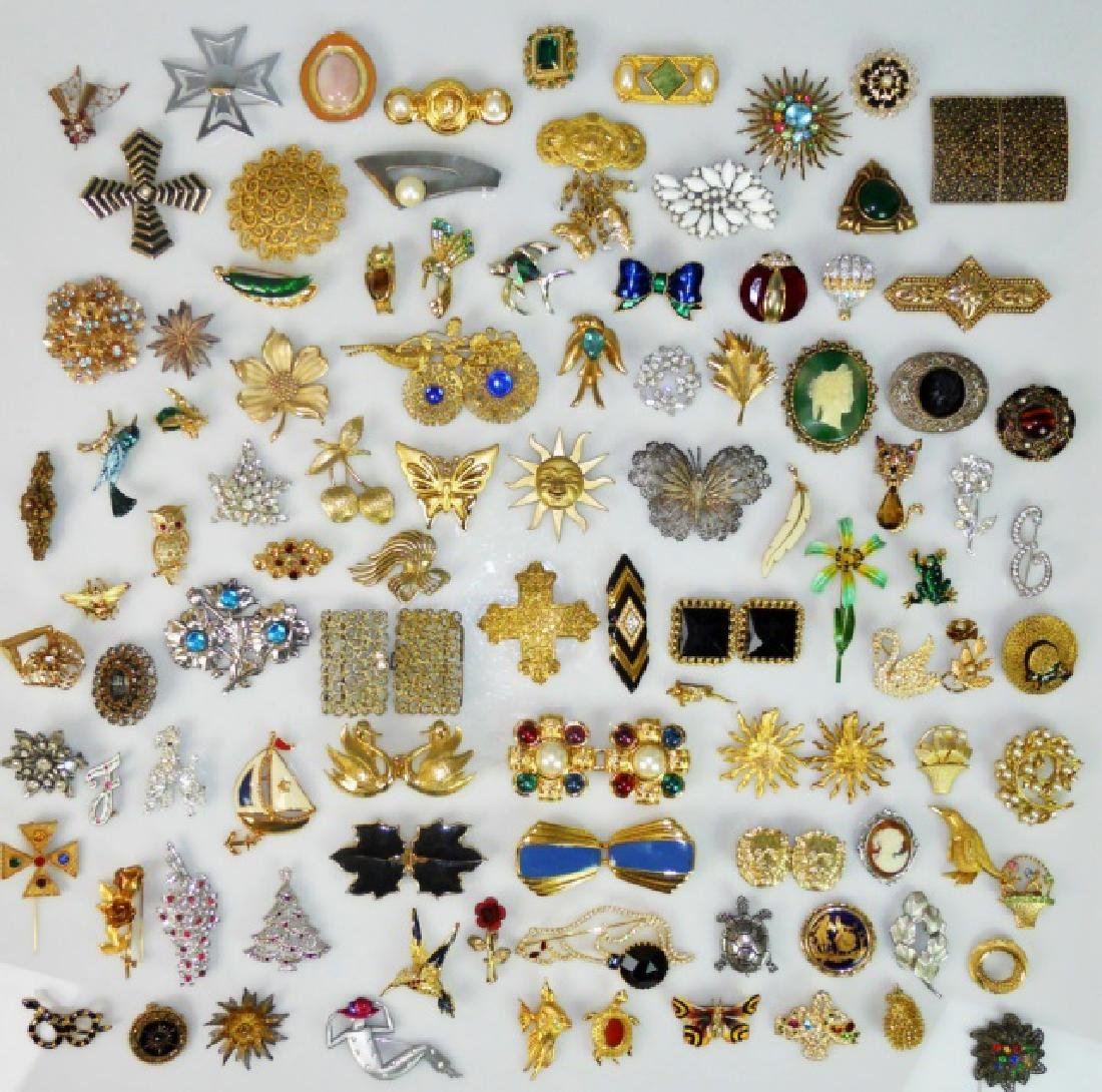 Collection of Costume Jewelry  (107pc)
