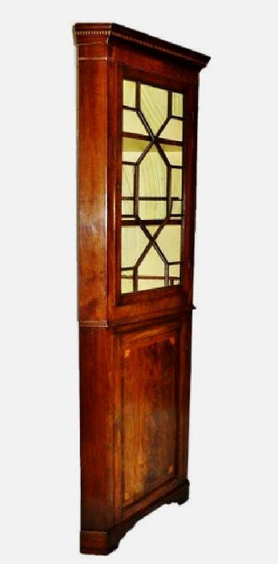 Period Federal Mahogany Corner Cabinet - 2