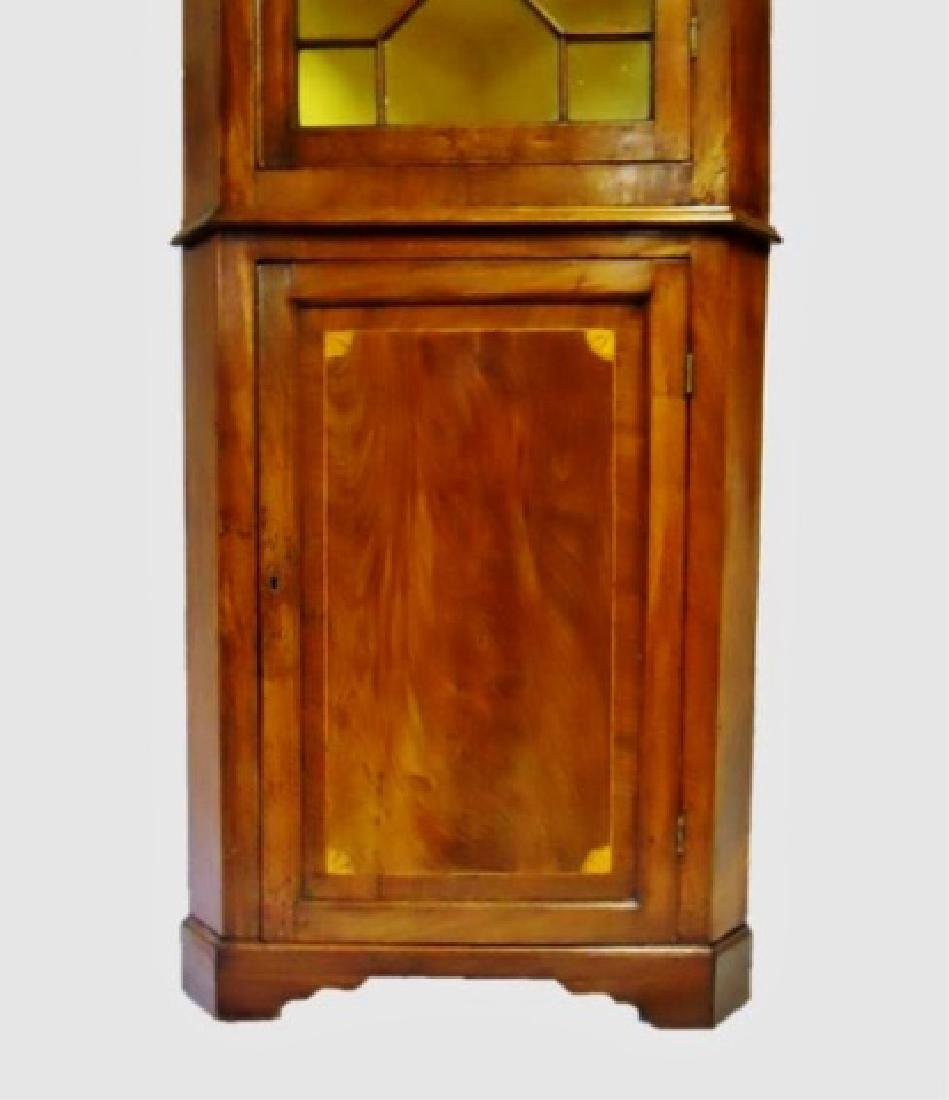 Period Federal Mahogany Corner Cabinet - 3
