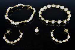 Collection of 14K Gold and Pearl Jewelry 5pc