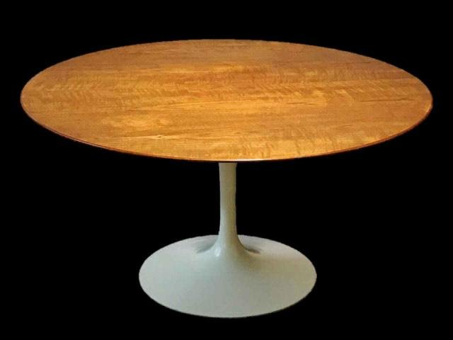20th C. Modern Tulip Table, Eero Saarinen, Knoll