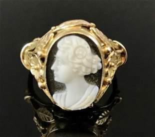 Antique Ladies 14K Gold Hard Stone Cameo Ring
