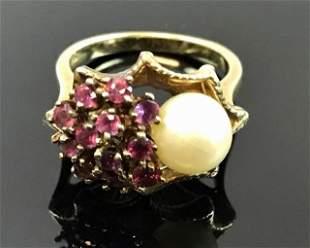 Ladies 14K Gold, Garnet and Pearl Ring