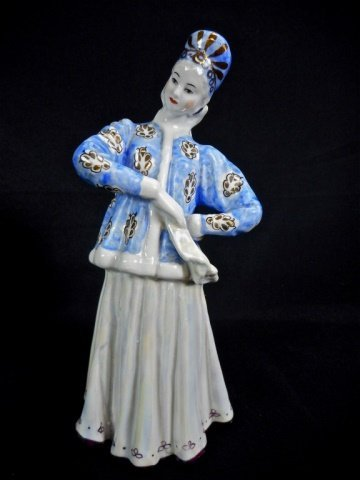 Five Porcelain Dulevo Figurines - 2