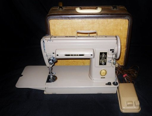 Vintage Singer 301 Sewing Machine - Mar 12, 2016 | J  James