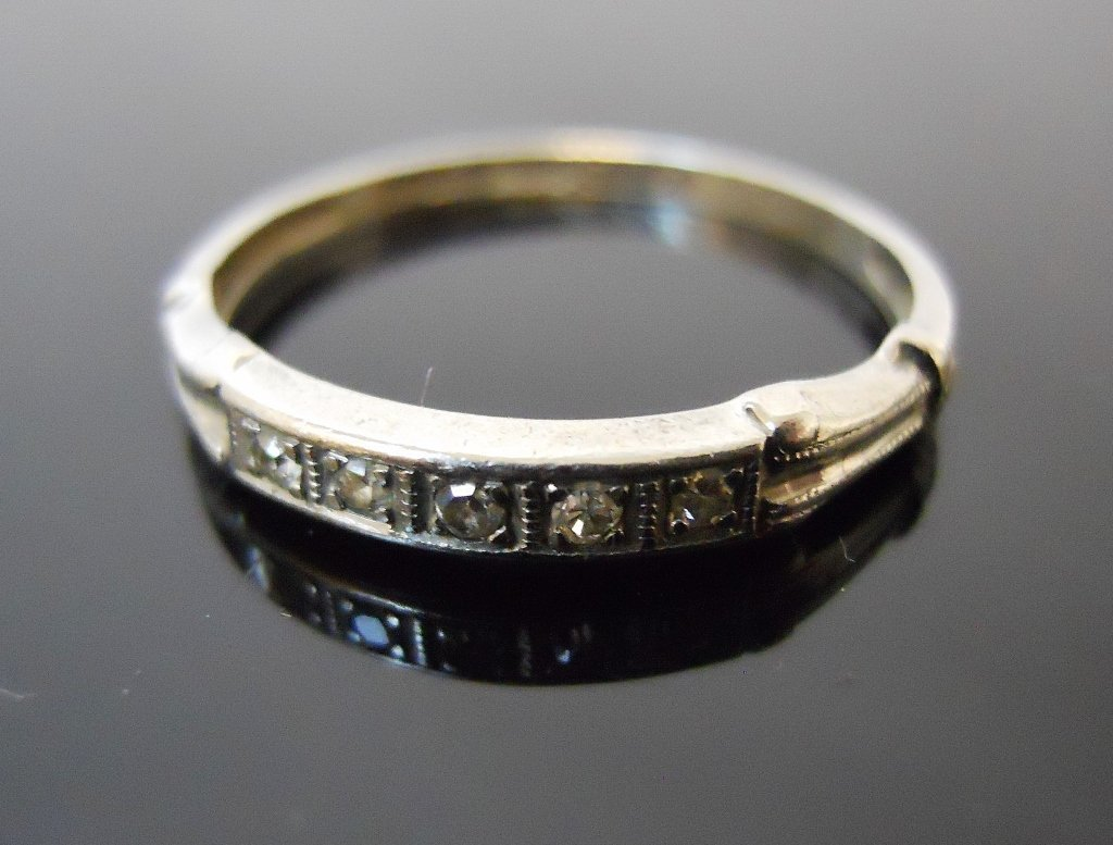 Ladies Platinum Diamond Ring