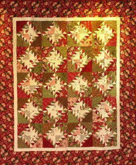"""3: """"""""CHRISTMAS FLOWERS"""" queen size quilt with scrappy r"""