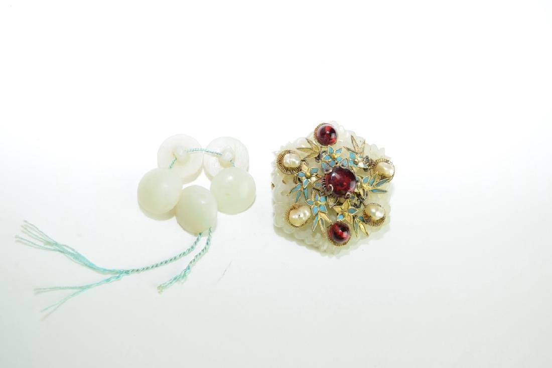 Five Chinese Jade Buttons and Jade Inlaid Brooch