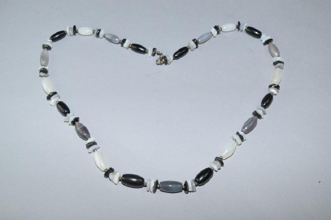 Black and White Agate Bead Necklace
