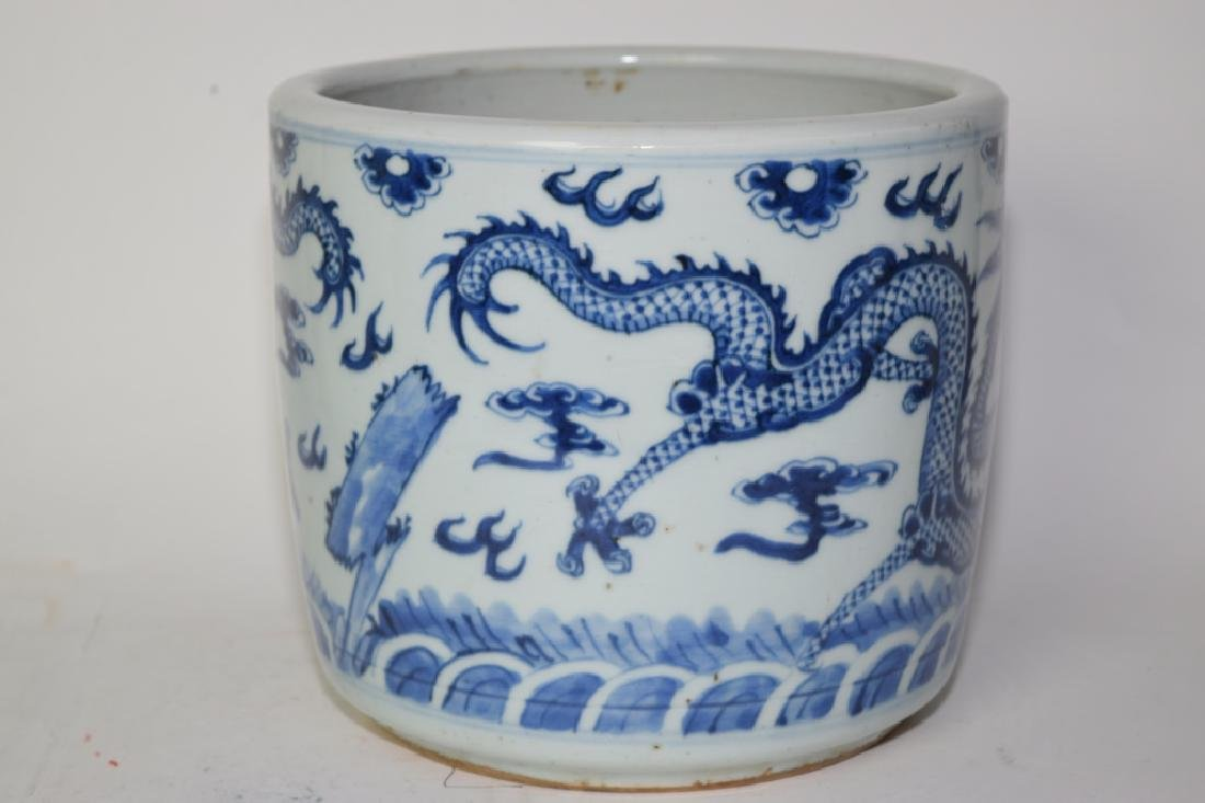 19th C. Chinese Blue and White Dragon Brush Pot - 3