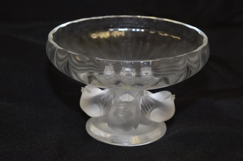 """Lalique Crystal Nogent Bowl """"French Bird"""""""