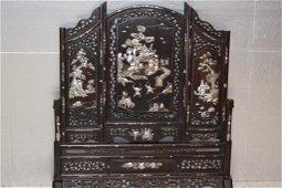 Qing Chinese Mother-of-Pearl Inlay Hongmu Floor Screen