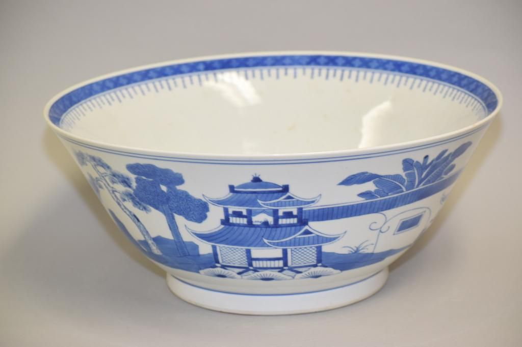 Large 20th C. Chinese Export Porcelain B&W Bowl