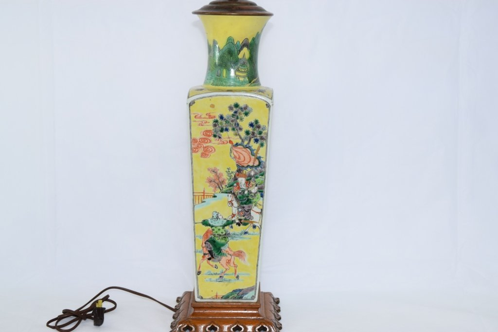 19th-20th C. Chinese WuCai Square Vase Lamp
