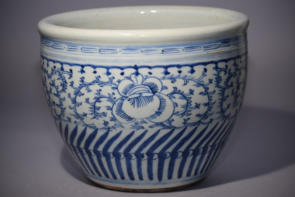 Late Qing Chinese Blue and White Jar