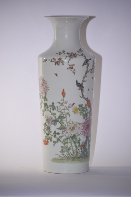 Early 20th C. Chinese Famille Rose Flowers Vase