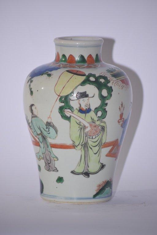 17th C. Kangxi Chinese B&W Wucai Vase