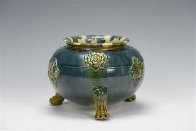 A RARE BLUE AND SANCAI GLAZED TRIPOD JAR