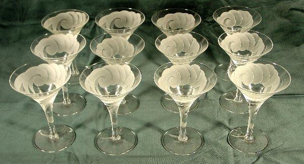 10: Dorothy Thorpe champagne glasses