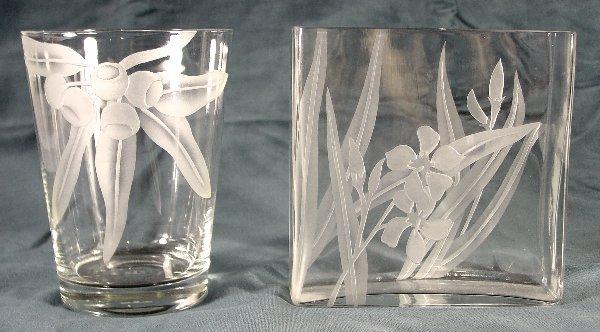 11: Dorothy Thorpe vases