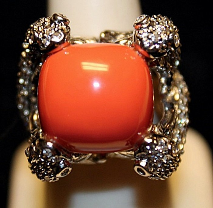 Beautiful Pink Coral & White Topaz SS Ring. (778L)