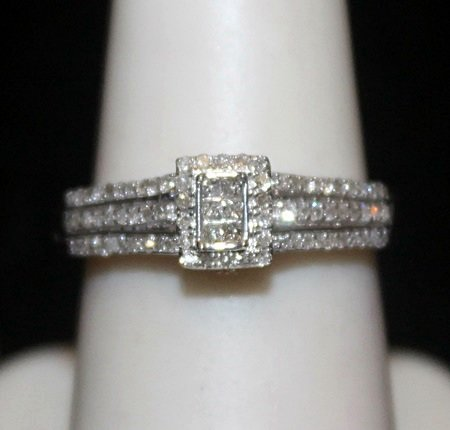 Lady's Fancy Silver Ring with Diamods (186I)
