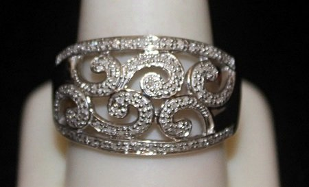 Beautiful Silver Antique Style Ring with Diamonds