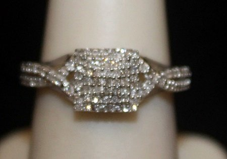 Very Fancy Silver Ring with Cluster Diamonds (4I)