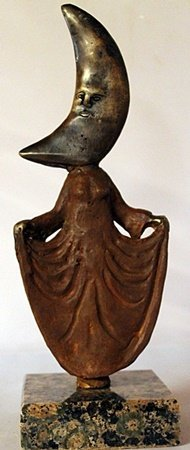 Curtsey Cresent Moon - Bronze Sculpt. - Sergio
