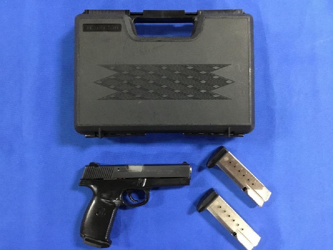 Smith and Wesson SW40F Semi Automatic Pistol