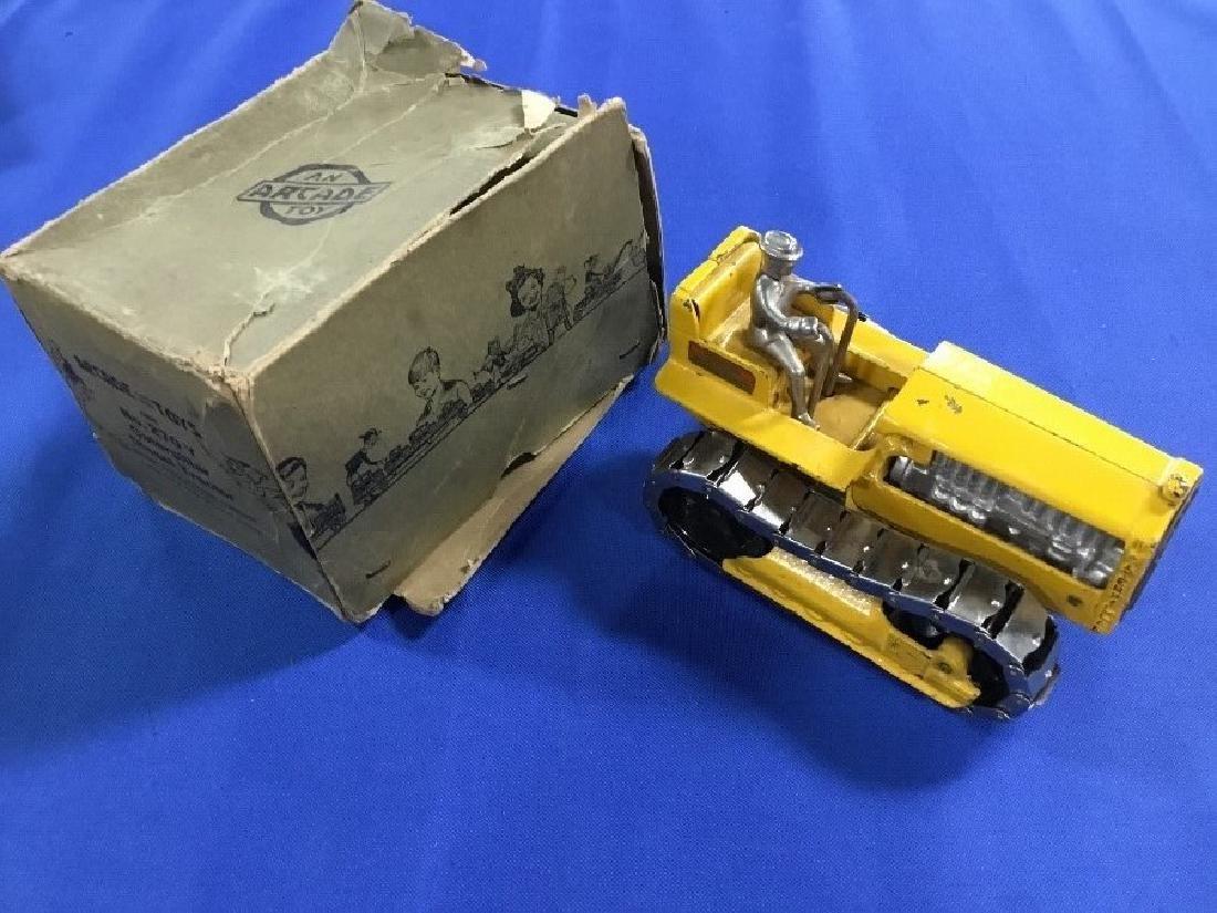 Arcade Cast Iron Caterpillar 270 Y with Original Box