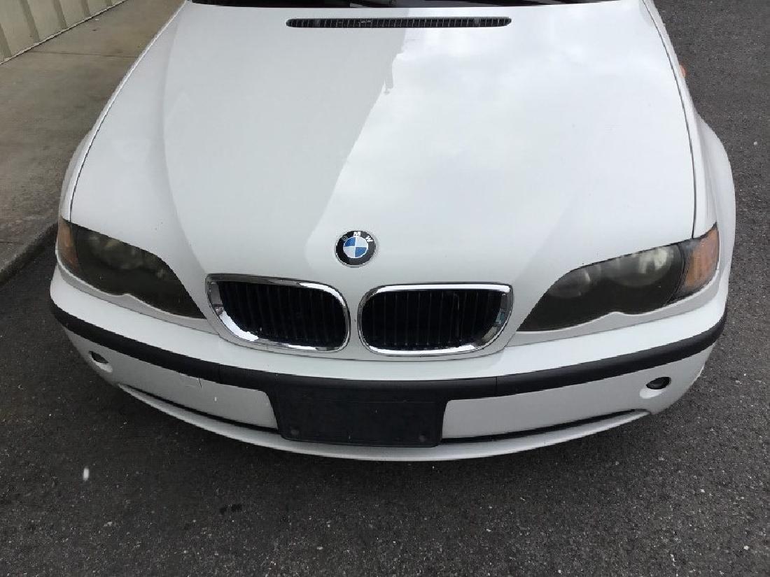 2004 BMW 325i sedan - 2