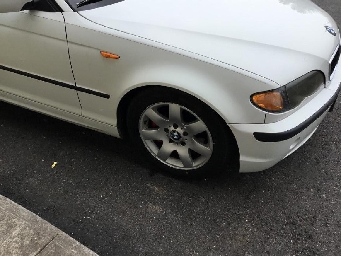 2004 BMW 325i sedan - 3