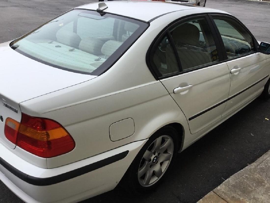2004 BMW 325i sedan - 4