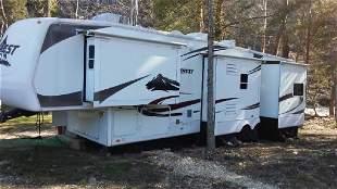 2007 Keystone 34 FT Camper Trailer Artic Edition